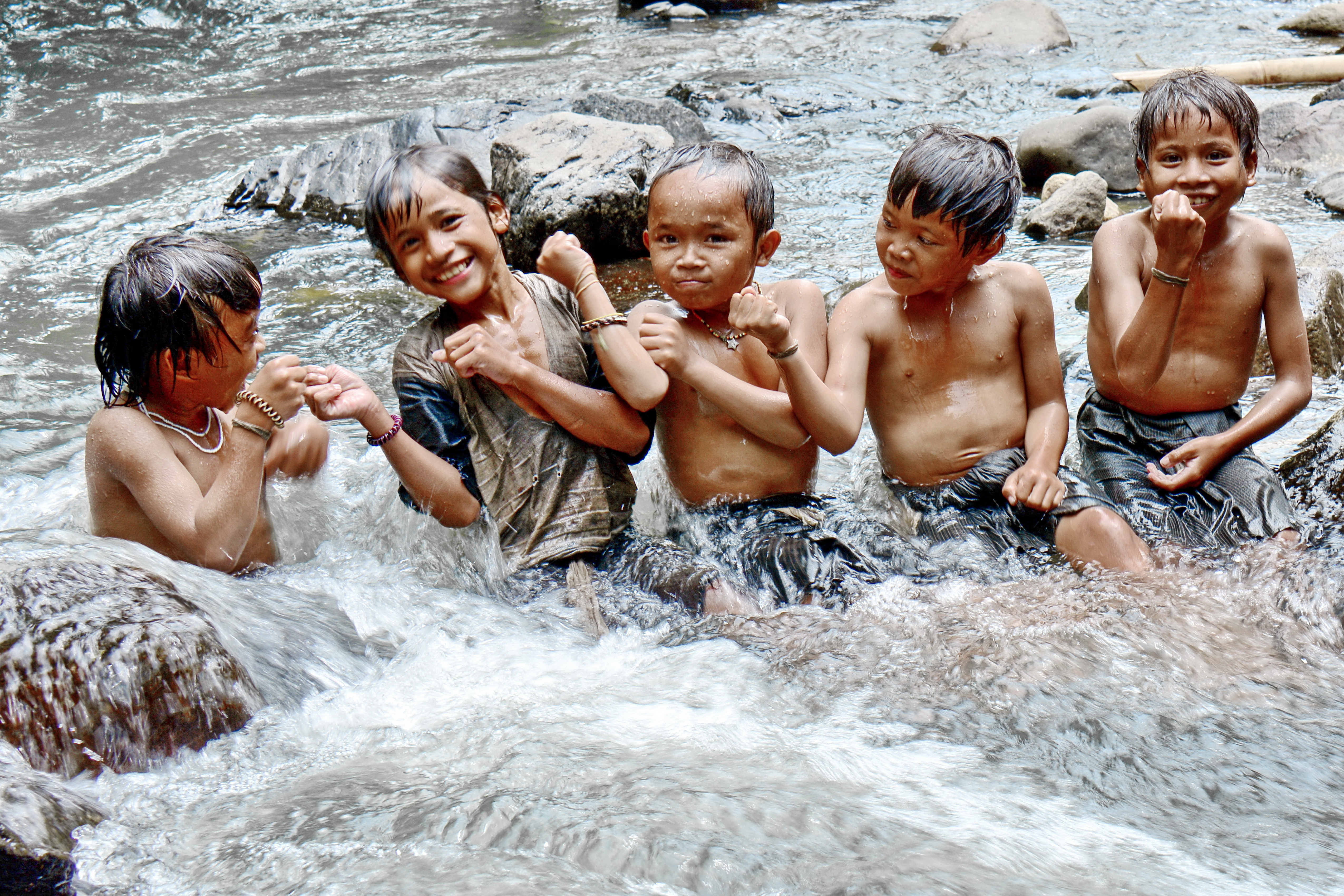 ©SMILE OF CHILDREN, BADUY TRIBE. Photograph by Sis Jimbo. Indonesia, 2014