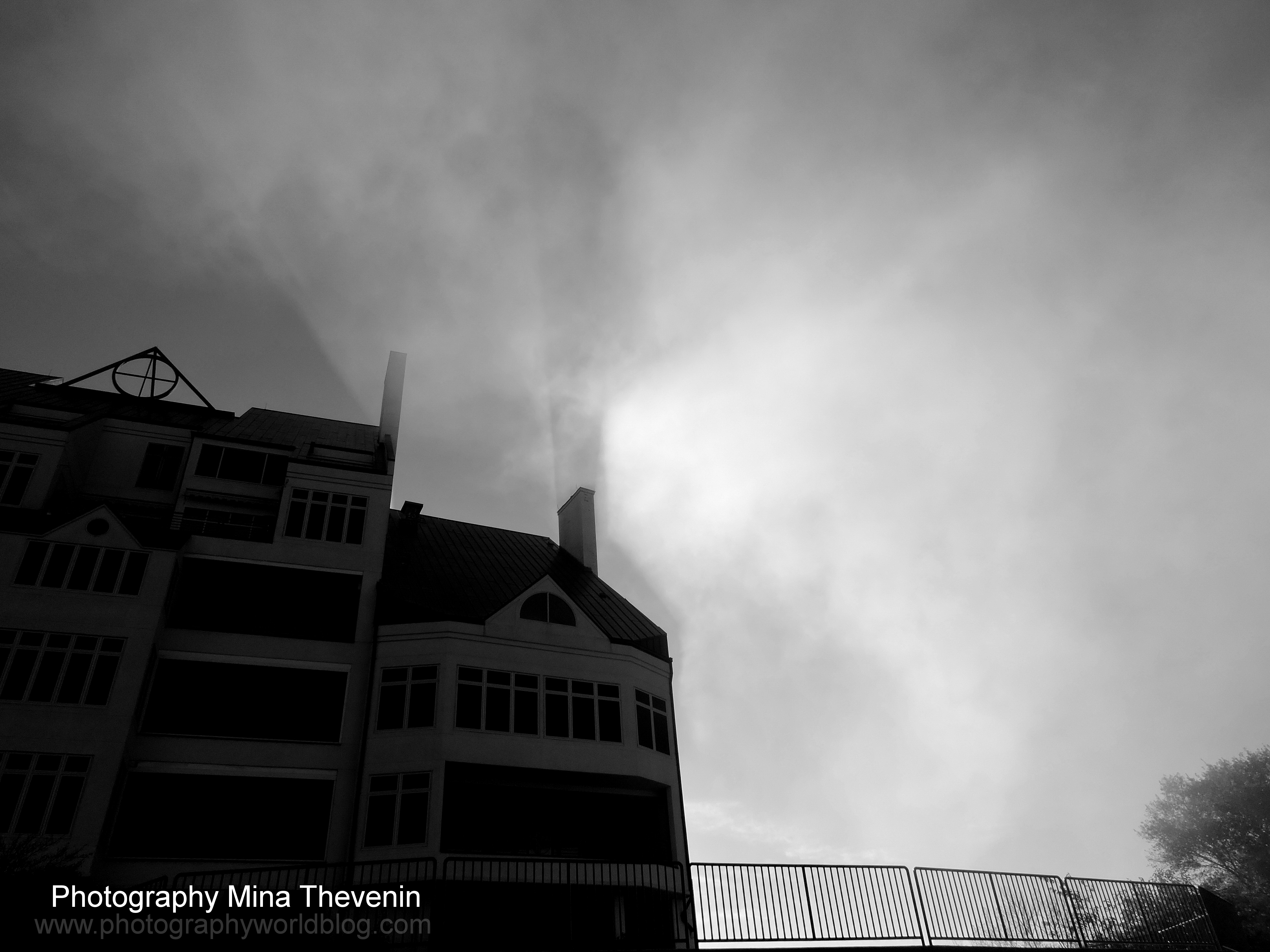 © Fog Shadows. Photograph by Mina Thevenin. Photography World Online Publication. www.photographyworld.org