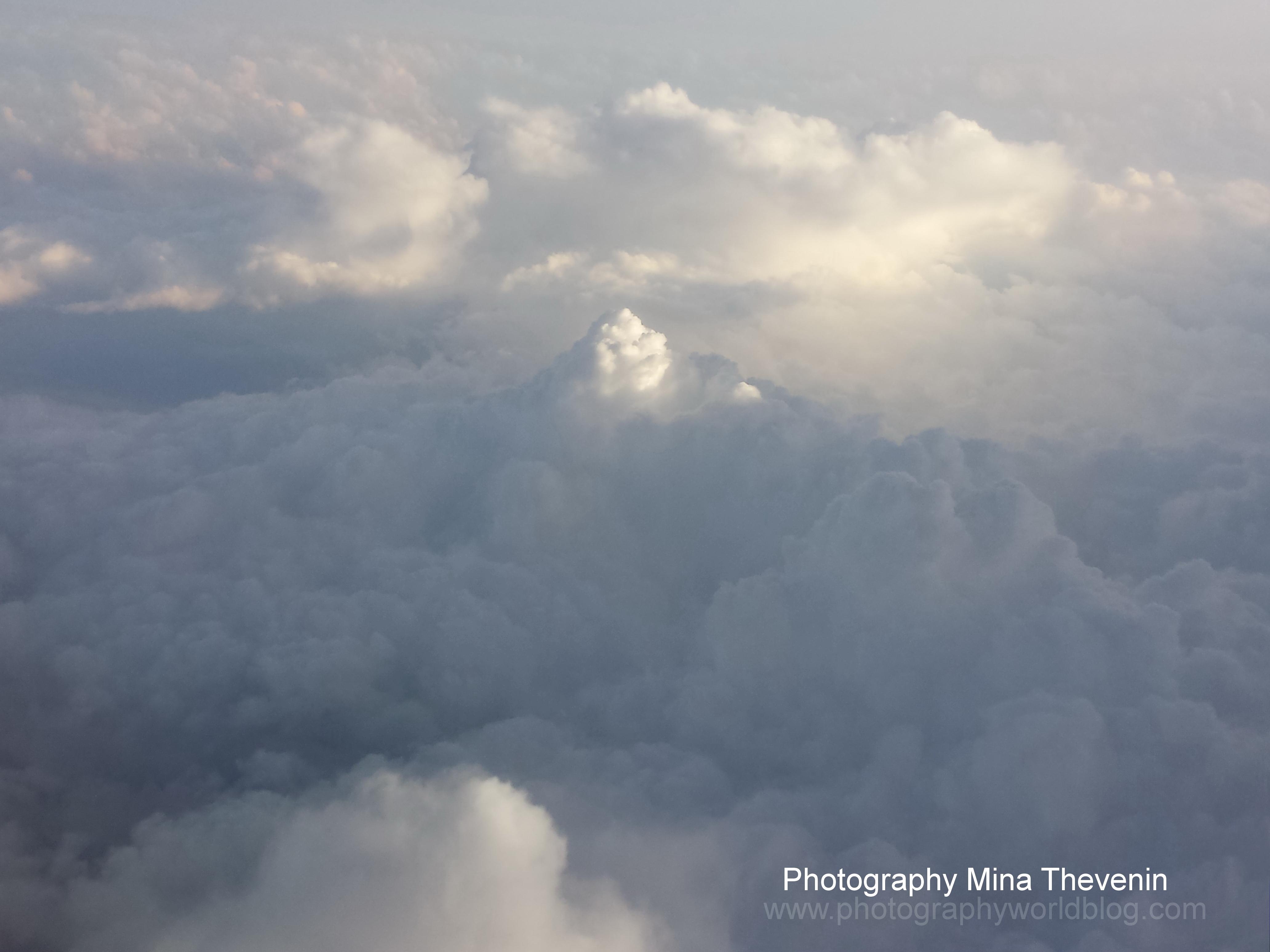 © Sunrise over Mount Cumulus. Photograph by Mina Thevenin. Photography World. www.photographyworld.org