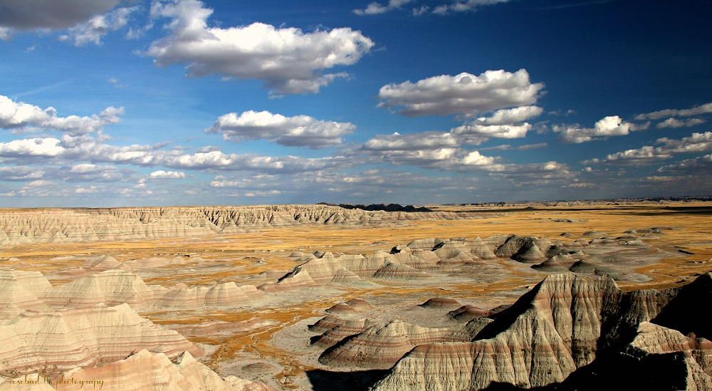© Badlands of South Dakota. Photographer Linda Sarmento is Awarded HONORABLE MENTION for the 2015 Photography World Contest YOUR FOCUS ON THE WORLD, Category SCENESCAPES